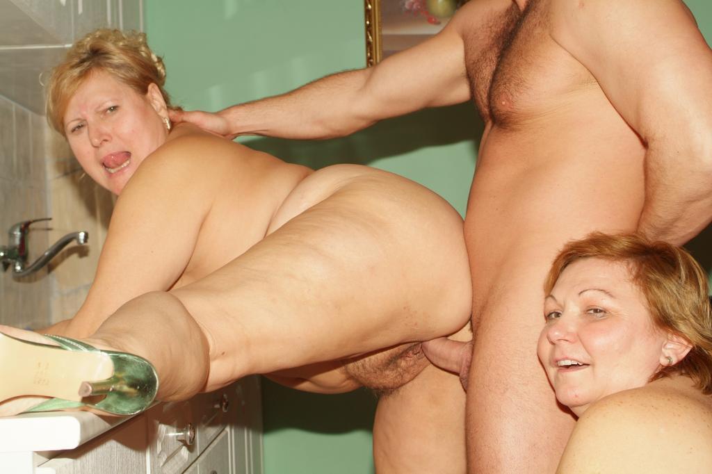 ladies sex show