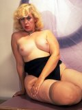 blonde mature marilyn monroe look-alike