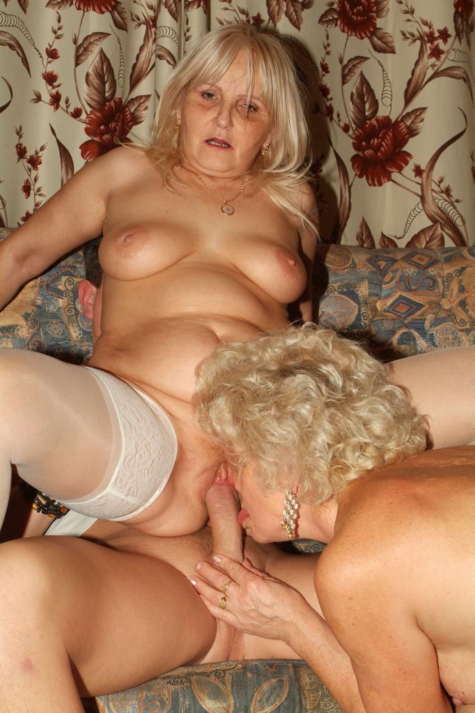 Deepthroating milf wife