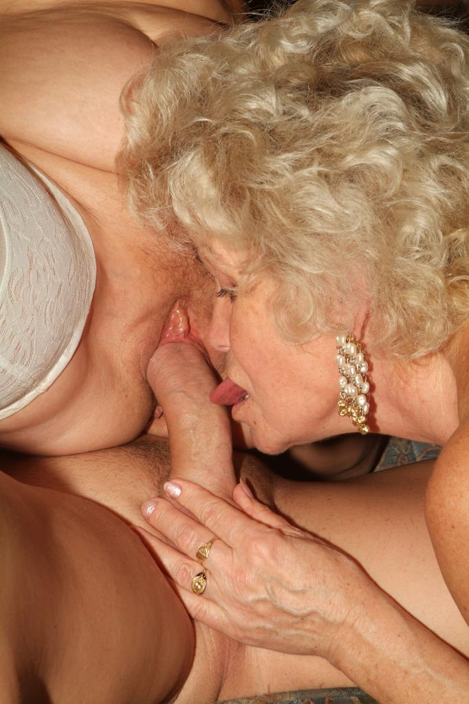 razvratnie-starushki-v-porno-foto